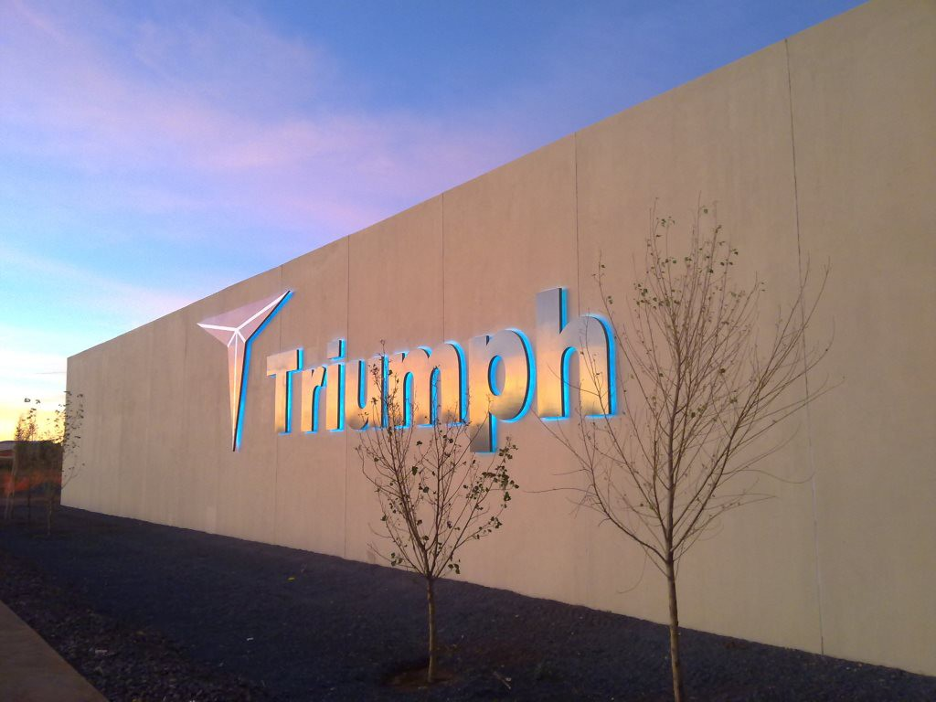 1-triumph_office